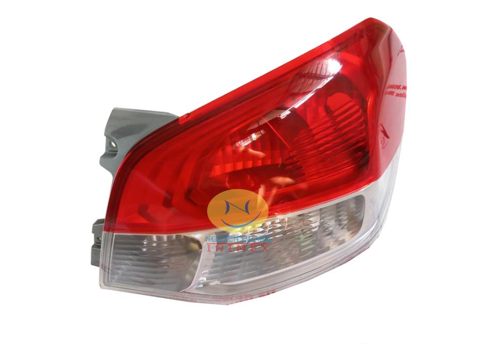 Đèn Lái Mitsubishi Attrage 2014