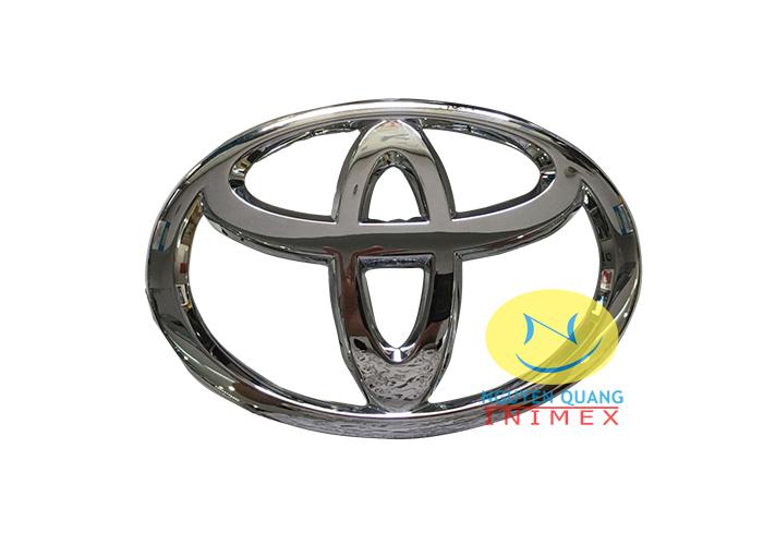 Logo Toyota Innova 2014