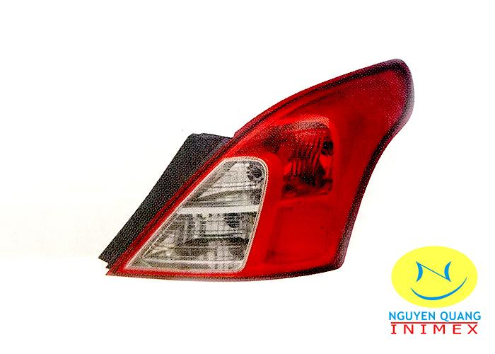 Đèn Lái Nissan Sunny 2014